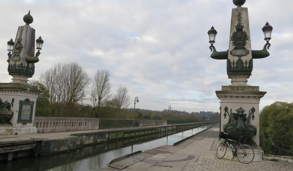 BPF : ORLEANAIS 45/Briare - Pont-canal_de_Briare